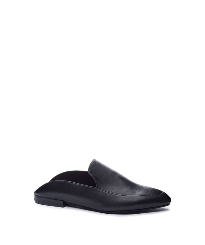 Capri Women's Lea Pointed Toe Flat in Black