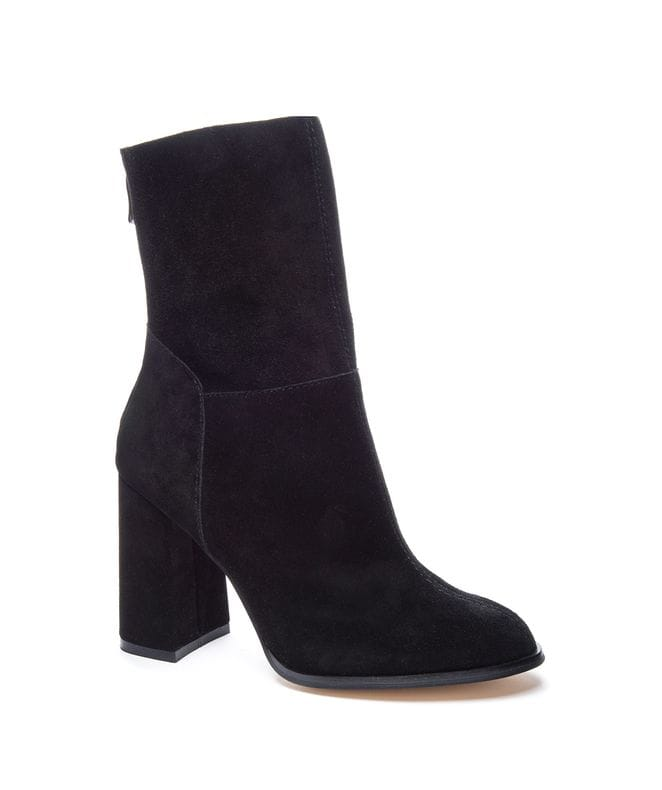 Chinese Laundry Women's Classic Suede Boot in Black