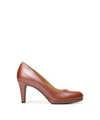 Naturalizer Women's Michelle Dress Pump in Caramel