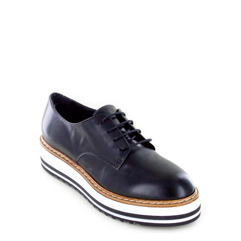 White Mountain Oxford Shoes